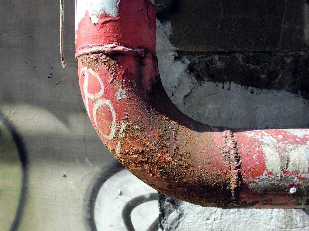 Zaawansowany proces korozji. Fotolia.com | #132259036 | Autor: jryanc10